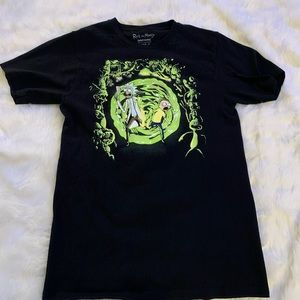 Tops - Rick and morty tshirt